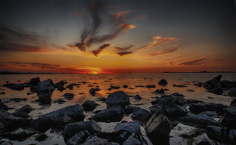 Zonsondergang op de Westerschelde van Brian Morgan
