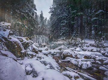 Waterval in de Sneeuw, Tsjechië