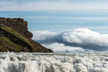 Gullfoss, einer der größten Wasserfälle Islands von Gerry van Roosmalen