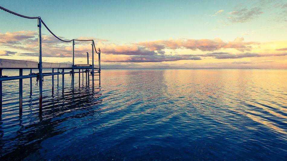 Steiger in het water - in het ochtendlicht