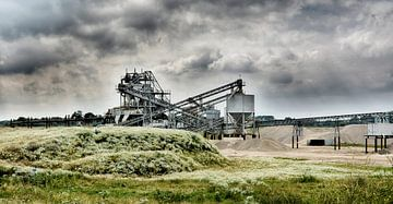 zandwinning instalatie   fabriek factory industrie uiterwaarden van Groothuizen Foto Art