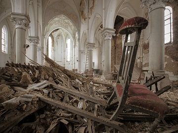 L'église en déliquescence sur Olivier Van Cauwelaert