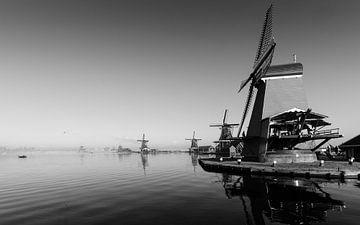 Windmolens aan de Zaanse Schans van Tom Elst