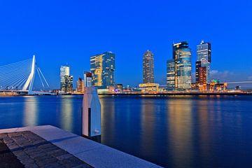 nacht valt over Rotterdam van gaps photography