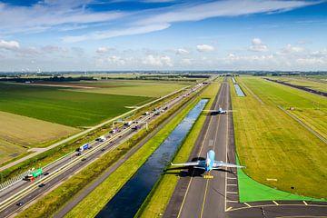 L'avion de KLM en route vers la piste