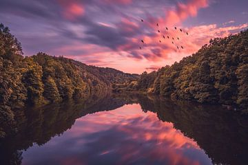 Prachtige kleuren tijdens zonsondergang in Luxemburg von Mitchell Routs