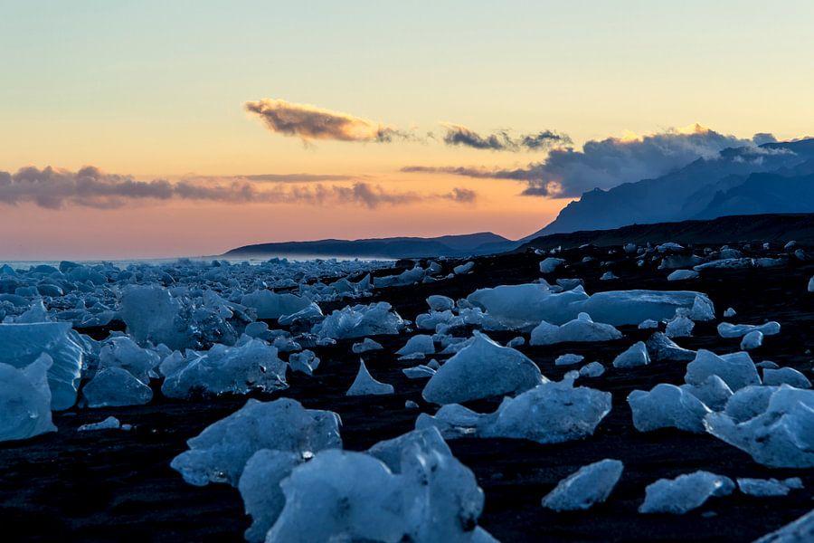 Sunset Ice van Freek van den Driesschen
