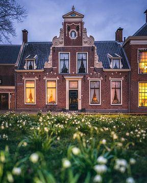 Karakteristiek monumentaal pand aan het Martinikerkhof in Groningen van Harmen van der Vaart
