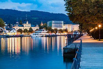 Bregenz in Österreich am Abend von Werner Dieterich