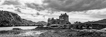 Eilean Donan in Zwart Wit von Vincent van den Hurk