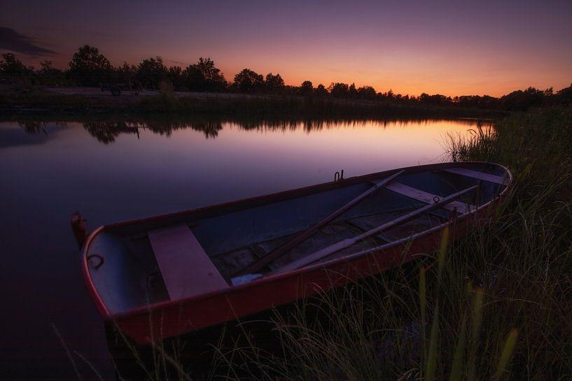 Roeien bij zonsondergang van Jacques Jullens