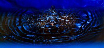 Water druppel van Menno van der Werf