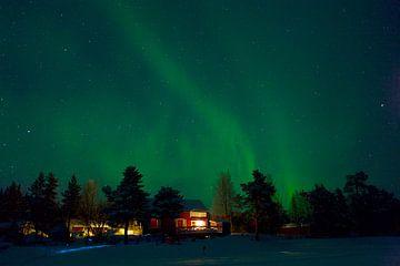 Les aurores boréales en Laponie sur Arnold van Rooij