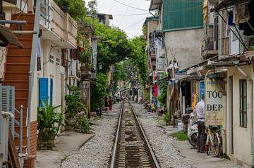 Treinrails in Hanoi - Vietnam van Jack Koning