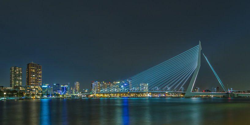 Erasmusbrug in Rotterdam in de avond - 2 van Tux Photography