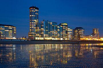 Sardijntoren aan het strand te Vlissingen