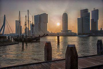 Lever du soleil au Kop van Zuid à Rotterdam sur