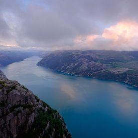 Sunset at the Preikestolen, Lysefjorden, Norway sur Koos de Wit