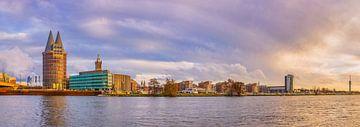 Skyline Roermond in de namiddagzon I van Teun Ruijters