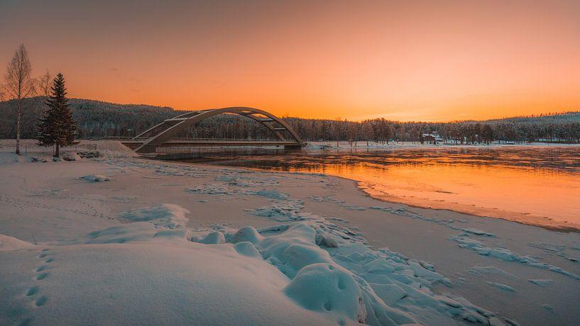 Zweden rivier in de winter 3 van Andy Troy