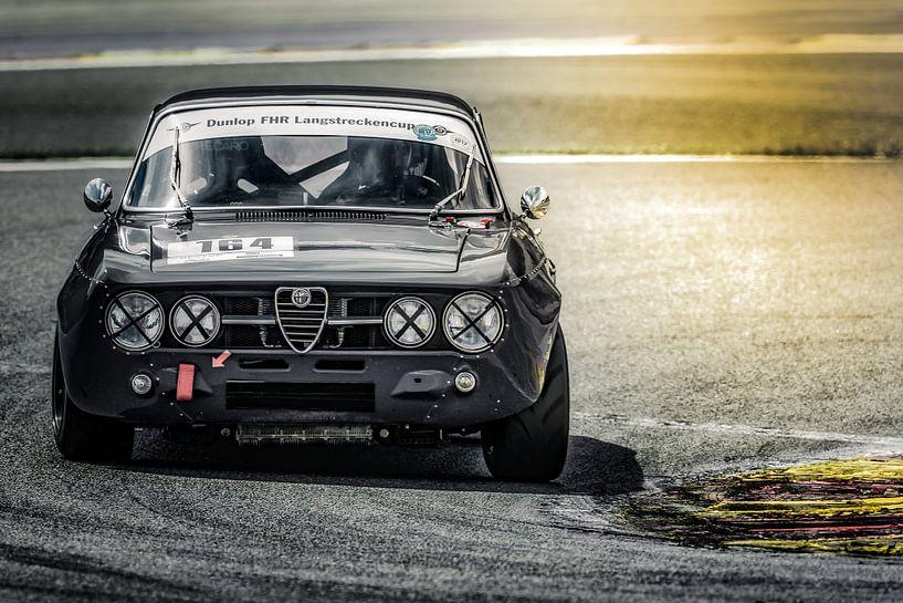 Alfa Romeo GTAm tijdens Youngtimerfestival Spa 2017 van autofotografie nederland