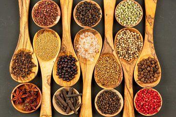 Fijne kruiden uit de hele wereld 1 van PhotoArt Thomas Klee