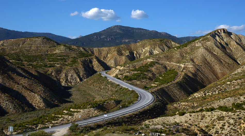Bergweg/mountainroad van Harrie Muis