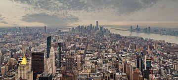 New Yorker Skyline von der Spitze des Empire State Building Tageslichtansicht im Winter von Mohamed Abdelrazek