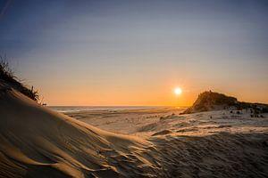 Zonsopgang aan het strand van Ralph Hamberg