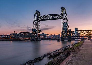 De Hef (Rotterdam) bij zonsondergang van