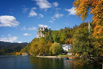 Meer van Bled en Kasteel van Bled in de herfst van