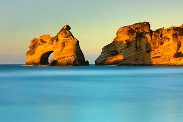 Wharariki Beach bij zonsondergang, Golden Bay, Nieuw-Zeeland van Markus Lange