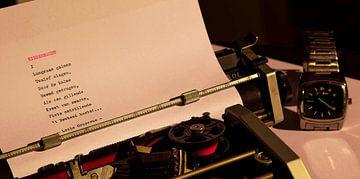 Typemachine met horloge