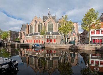 Oude kerk Amsterdam van Foto Amsterdam / Peter Bartelings