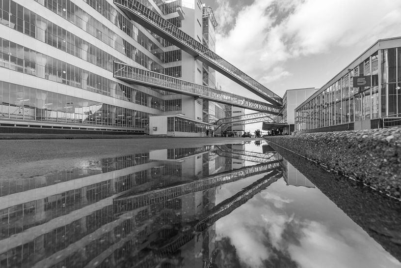 Van Nelle Fabriek in Rotterdam gespiegeld van MS Fotografie
