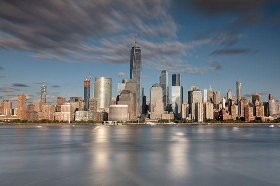 New york city skyline tijdens zonsondergang