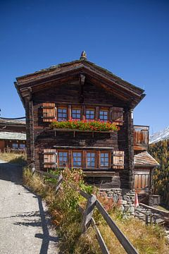 Walliser Holzhäuser im Weiler Findeln , Zermatt, Schweiz von Torsten Krüger