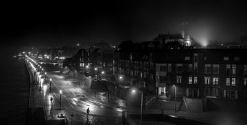 Schwarz-Weiß-Straßenbild Nimwegen (XXL) von Rutger van Loo