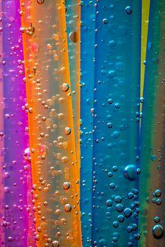 kleurrijke rietjes met waterparels van Jürgen Wiesler