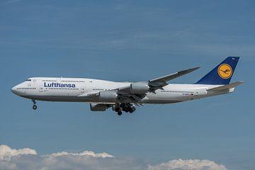 Boeing 747-8 van Lufthansa is een inmiddels oude livery, gefotografeerd bij de luchthaven van Frankf van Jaap van den Berg