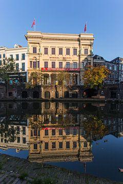 De Winkel van Sinkel aan de Oudegracht in Utrecht van De Utrechtse Grachten