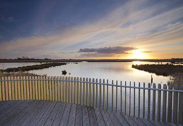 Zonsondergang over de Onlanden bij Matsloot (1) van Gerben van Dijk