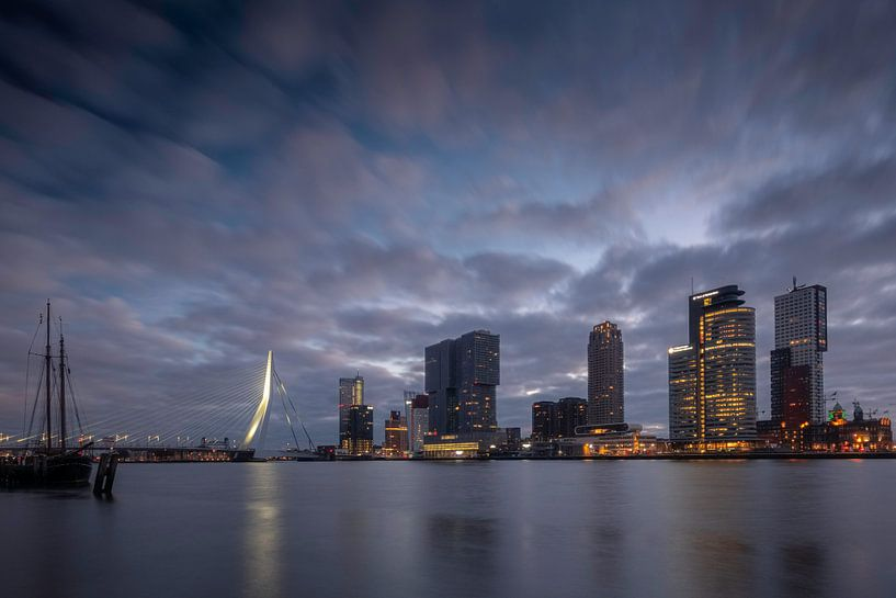Stadtbild Rotterdam bei Sonnenaufgang von Arjen Roos