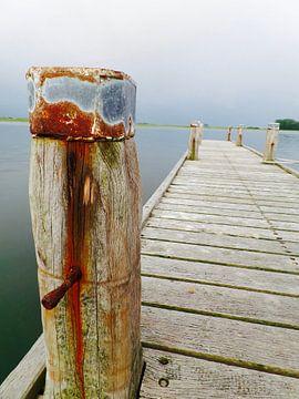 Eenzame houten steiger