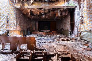 Die Show ist vorbei – verfallener Kinosaal, Deutschland.