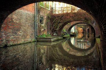De Kromme Nieuwegracht in Utrecht en zijn vele bruggen van De Utrechtse Grachten