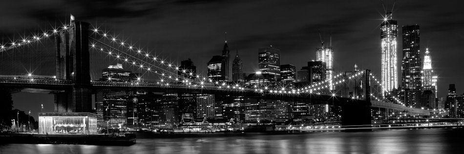 Night Skyline MANHATTAN Brooklyn Bridge Panoramic b/w