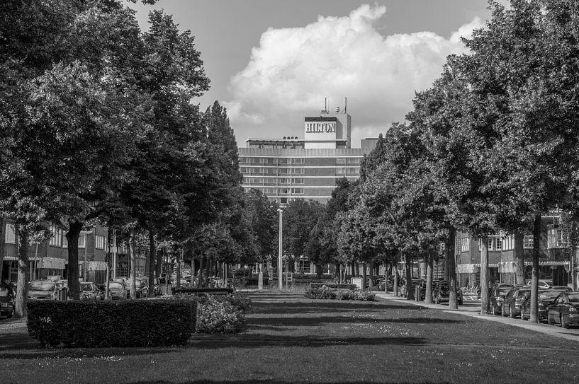 Minervalaan - Hilton Hotel van Hugo Lingeman