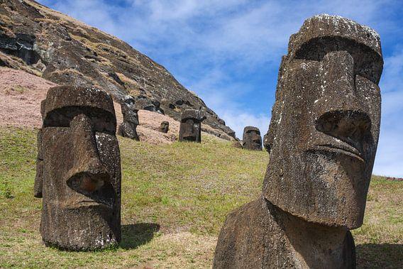 Moai op Paaseiland van Erwin Blekkenhorst