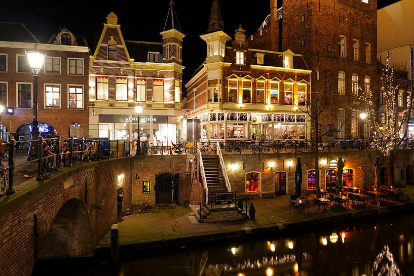 Vans, Vero Moda, King Arthur, Oudaen en Taverna aan de Oudegracht in Utrecht van Donker Utrecht
